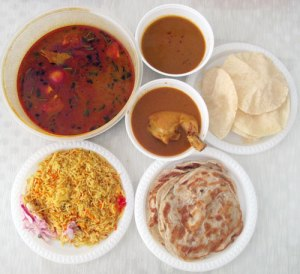 Roti Prata, Fish Head curry, Nasi Bryani, Chicken Korma and Pappadam!
