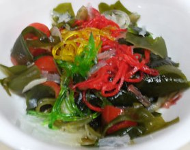 YuSheng garnish + Wakame salad concoction.